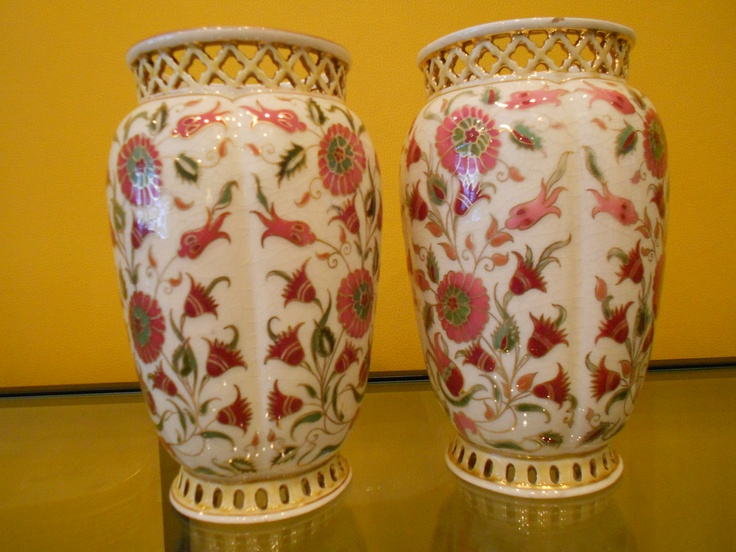 Zsolnay vases