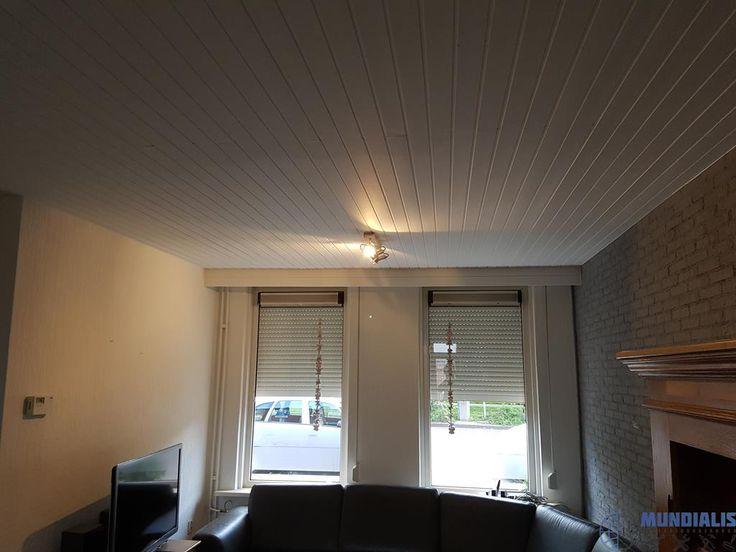 In Venlo hebben we eenwoonkamer een restyling gegeven. Deze oude arbeiderswoning was nog in een oude stijl. Steenstrips muur en een schroten plafo... Woonkamer restyling - Venlo