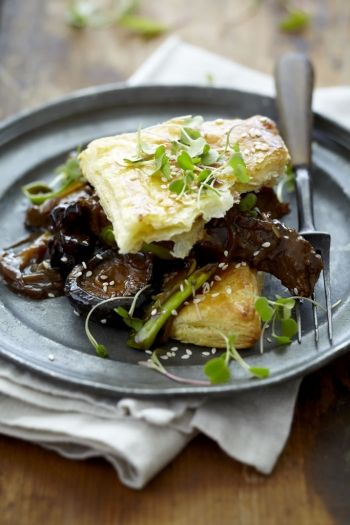 Beef and Shiitake Pie recipe on www.nomu.co.za