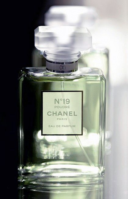 Chanel No. 19 Eau de Parfum