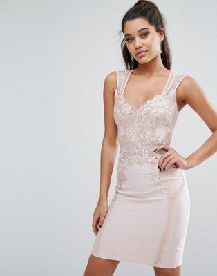 Michelle Keegan Loves Lipsy – Figurbetontes Kleid mit Spitze vorne