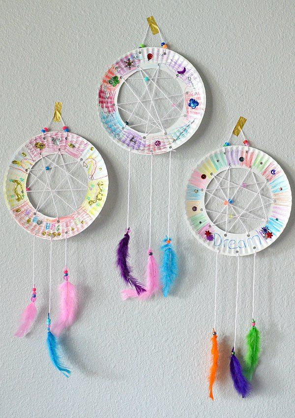 the bfg paper plate dream catchers kids craft the suburban. Black Bedroom Furniture Sets. Home Design Ideas