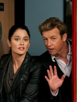 Robin Tunney & Simon Baker (The Mentalist S5-20)