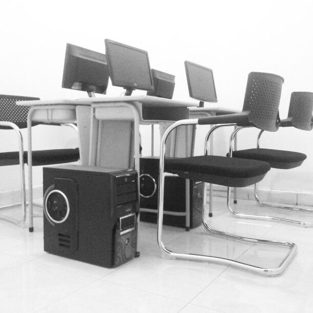 Tech School Indonesia Only 4-6 student/ class
