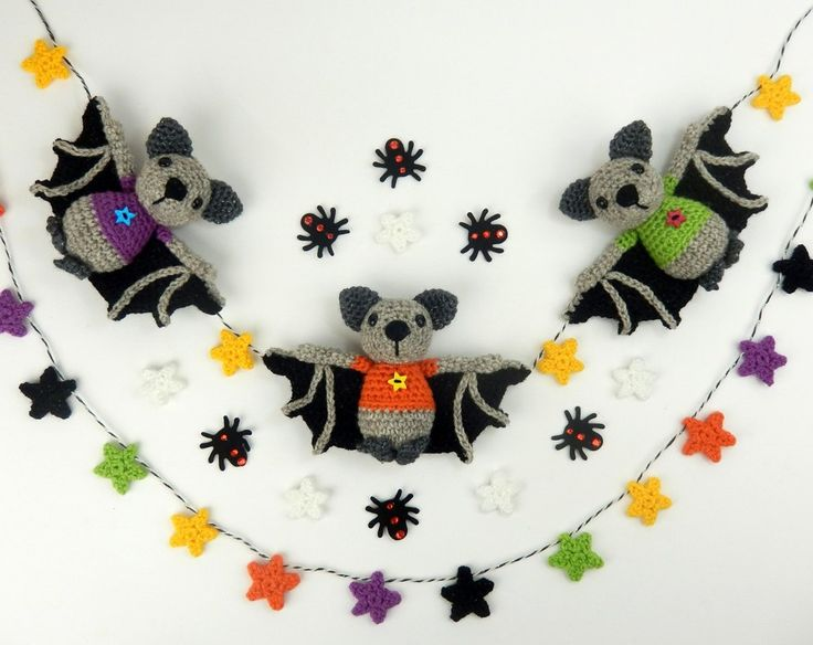 Halloween Bat Bunting - Amigurumi Crochet PatternThis bat pattern includes instructions to make a soft toy/shelf ornament or a whole garland of bats to hang up for your Halloween/Fall decor.Individual bats look pretty on shelves and tables or several can be strung onto twine with alternating stars to create festive bunting. The stars can also be made into a pretty garland too.Light worsted weight (DK/8 ply) yarn and a 3.25 mm hook are recommended.Safety eye size - 9mm (Please ...