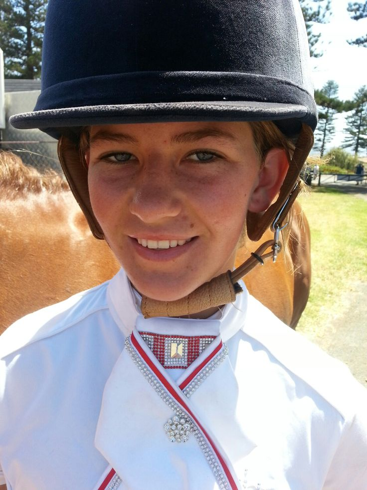 Breanna Hickey competing at the Kiama Show with her horse Bella