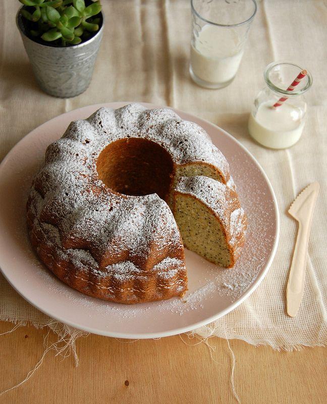 Lemon poppy seed whipped cream cake / Bolo de creme batido, limão siciliano e papoula