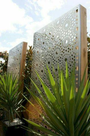 Incredible backyard patio garden privacy screen ideas (13)