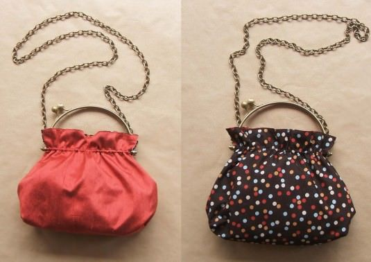 Bolso reversible con boquilla de anillas / Framed reversible bag