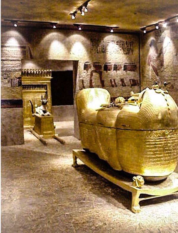 JOJO POST STAR GATES: Tutankhamun's Chamber, EGYPT- Today.