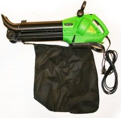 Bentley Garden 3000W Leaf Blower makes light work of moving leaves this autumn.