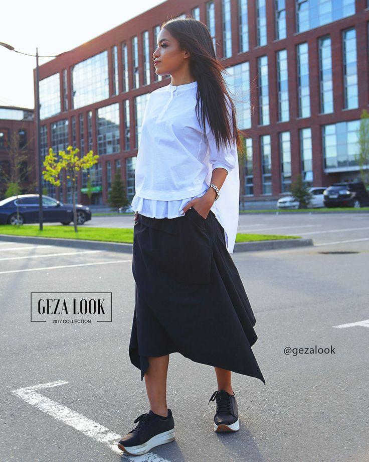Новый взгляд на классический образ🔥 Представляем вам белую рубашку и черную юбку с асимметричной длиной, которые позволят вам выглядеть стильно в черно-белом👍 Ждем вас в гости за нашими новинками😘  ----------------------------------------- 👉Для заказа👇 📲пишие в WatsApp +7 (963) 661-29-64 📩пишите в Директ ----------------------------------------- Приезжайте🚗 на примерку в шоурум или заказывайте доставку📦 на дом. ----------------------------------------- 🛍Адрес шоу-рума Geza Look🛍…