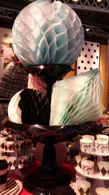 #paperflowers #pastels #honeycomb #Miss Etoile