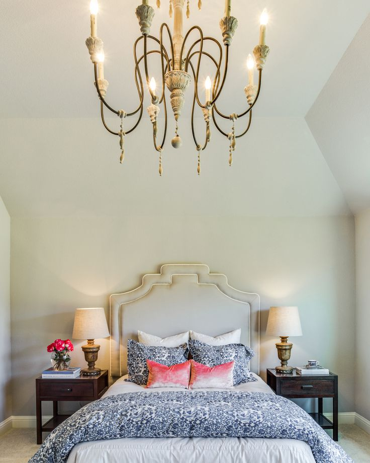 1000+ Ideas About Master Bedroom Chandelier On Pinterest