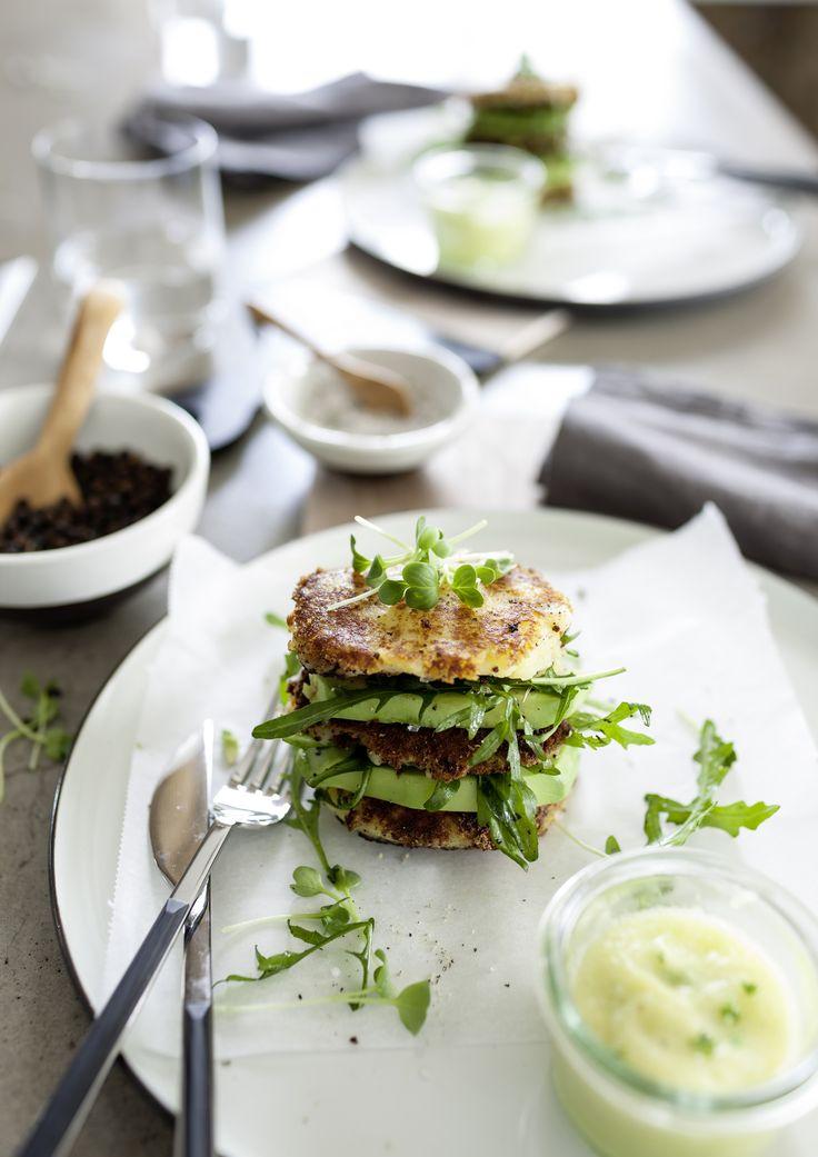 Zubereitet in der hochwertigen Hightech-Küche schmecken Kartoffelburger mit Rucula und Ananasdip gleich doppelt so gut.  Fotocredit: JALAG/seasons.agency/A. Lorenzen