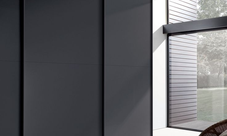 Perfect synthesis of elegance and simplicity for the door Tecnomatt. Essential and clean lines become synonym for timeless elegance. Formal cleaniness and functionality go side by side.