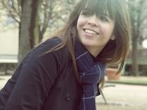 Chez Milan Marion Billet a déjà participé à des recueils de comptines à chanter. Elle travaille pour de nombreux éditeurs et dans le textile.  http://www.editionsmilan.com/Livres-Jeunesse/Nos-auteurs/Marion-Billet