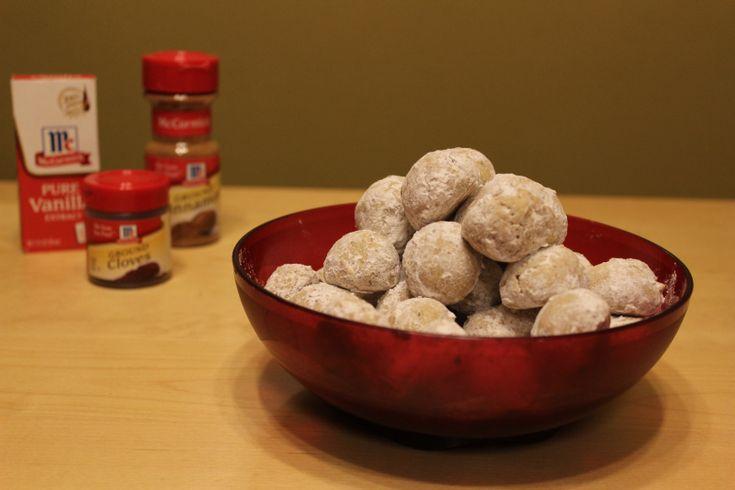 Prepara unas Ricas Galletas de Boda, receta mexicana, incluyen nuez. También se conocen como Polvorones o Galletas de Nuez.