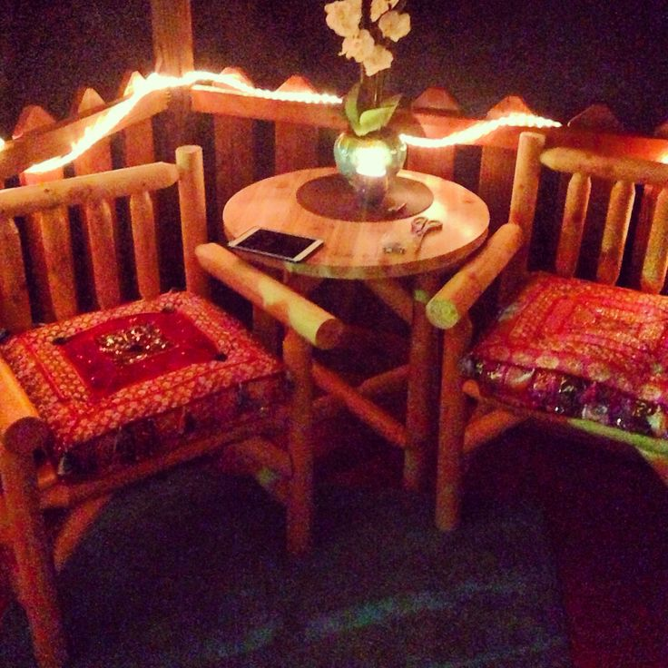Diy Log Cabin Outdoor Furniture With Teal Rug Mio