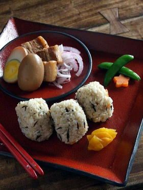 Sea Vegetable Mixed Onigiri Rice Balls and Japanese Braised Pork Belly ...