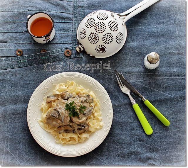 Gizi-receptjei. Várok mindenkit.: Tárkonyos-gombás szűzpecsenye metélt tésztával.