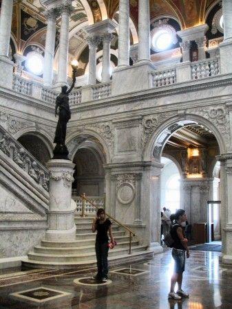 Gran Vestíbulo del edificio Thomas Jefferson de la Biblioteca del Congreso en Washington
