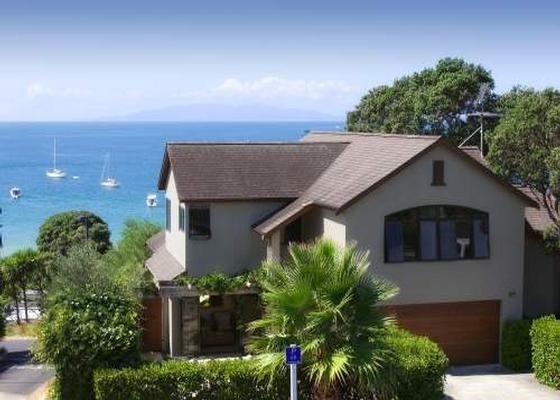 Beach Villa - Waiheke Unlimited  in Oneroa, Waiheke Island   Bookabach  9 people, 4 bedrooms, 3 bathrooms $650 to 1050