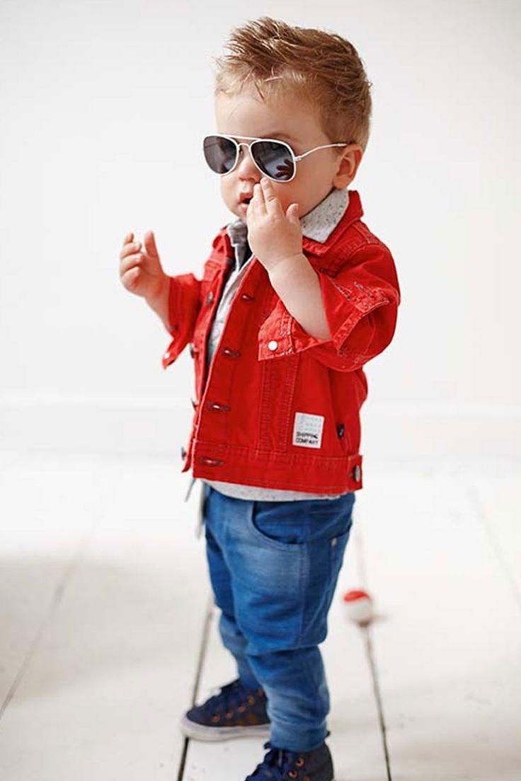 Baby Boy Babykleding   Rode spijkerjas    Super stoer en trendy   www.kienk.nl