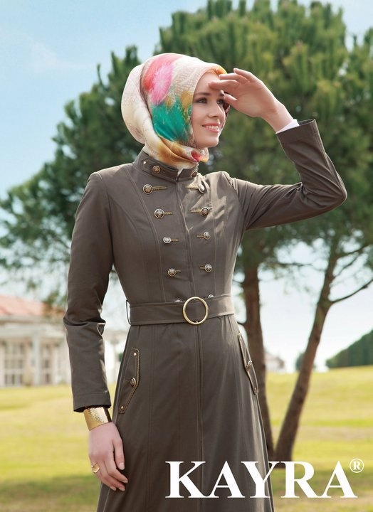 Turkish style is always neat and sleek, perfect for office hour. I would lower down the hijab, thou..