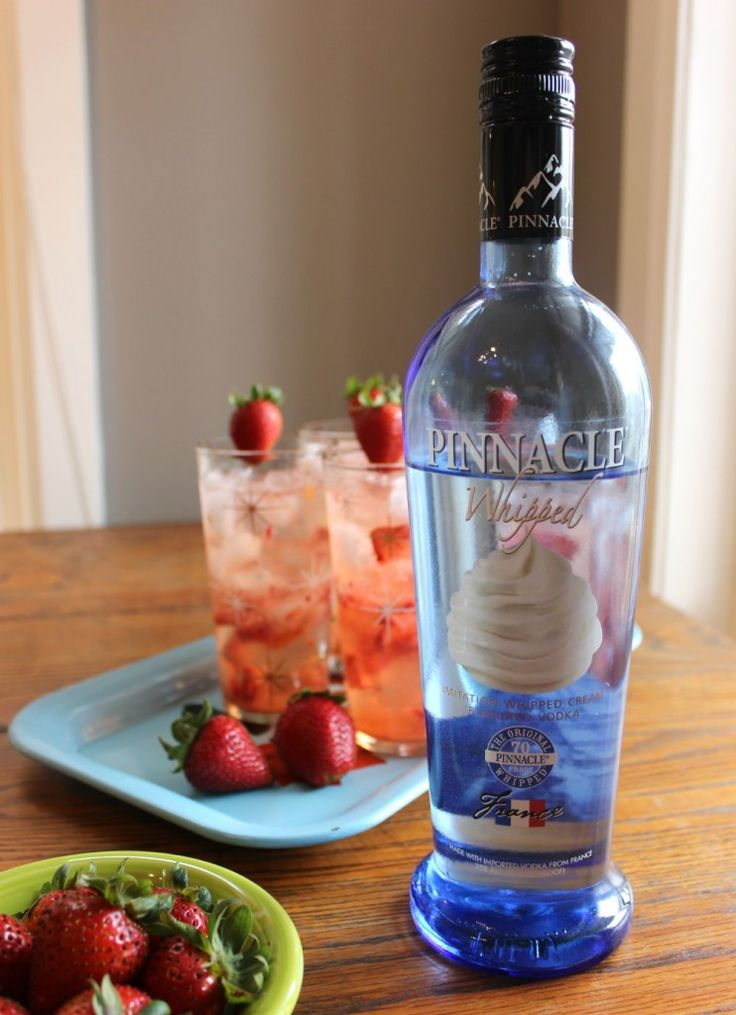 die besten 25 pinnacle wodka drinks ideen auf pinterest blauer punsch mit alkohol. Black Bedroom Furniture Sets. Home Design Ideas