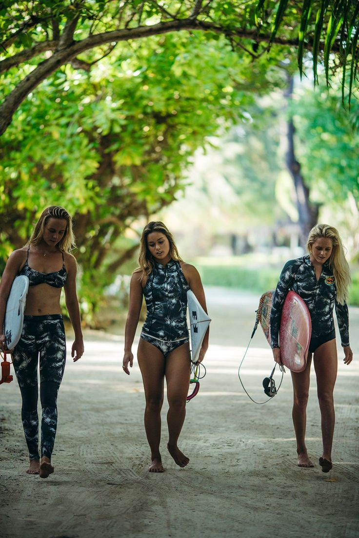 Squad goals in the vintage palm prints of our Surf Capsule collection >>