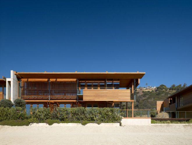 Malibu beach house by Richard Meier & Partners Architects