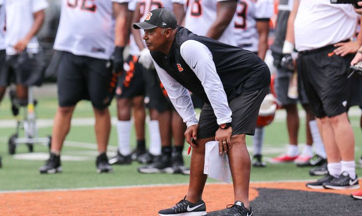 Andy Dalton says players not discussing Marvin Lewis contract = Cincinnati Bengals head coach Marvin Lewis has remained at the helm since all the way back in 2003. In NFL head coaching terms, the veteran football mind has remained in Cincinnati for almost an eternity. However, while Lewis' future with.....