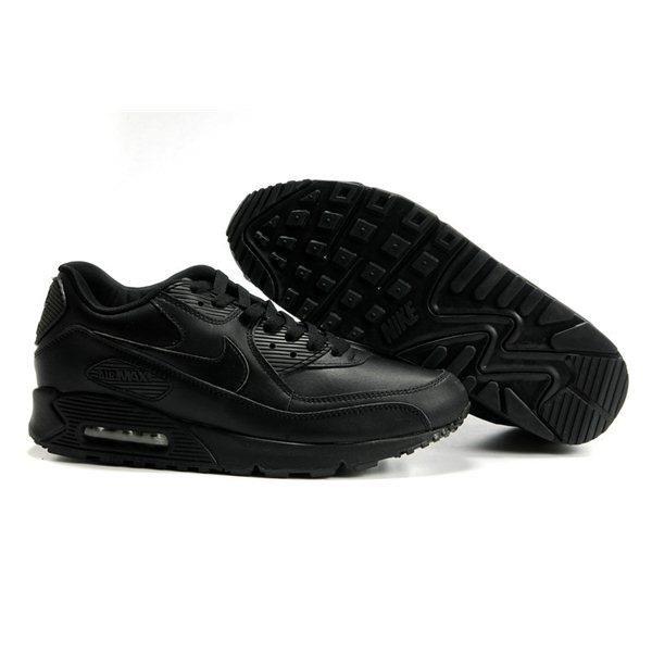 Чёрные кроссовки nike