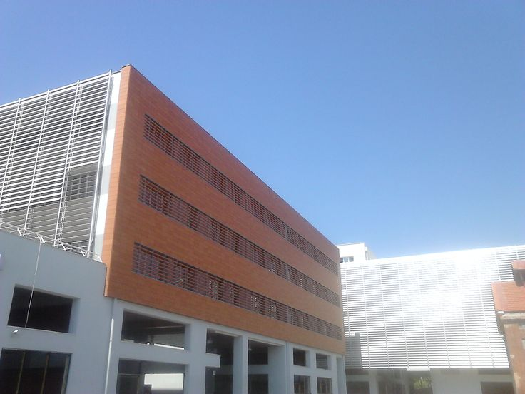The architectural systems with which Alumil supplied the Goverment Building of Regional Authority of Central Macedonia, is the Hinged system M11000. For further information visit our website www.alumil.com