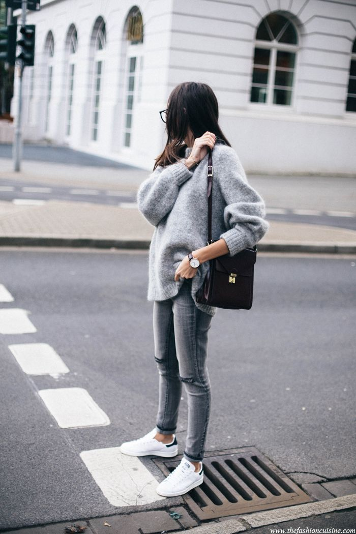 Grey mohair sweater street style with Stan Smith white and black sneakers