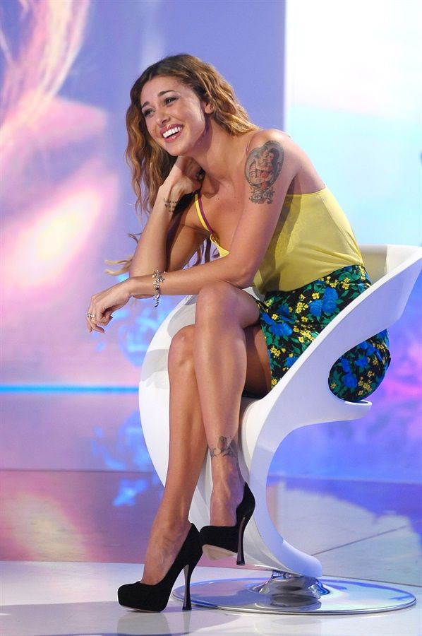 Belén Rodriguez cancella il tatuaggio per Stefano De Martino: «Non con lui il dolore» - VanityFair.it