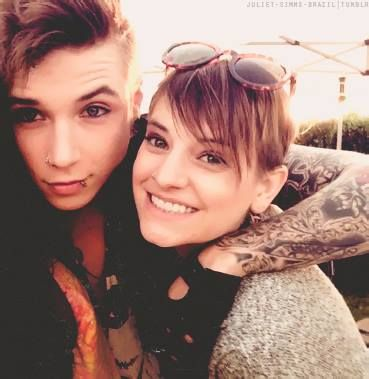 Andy and juliet. i think i liked juliet's hair before she cut it, but she still looks cute with it short like that <3