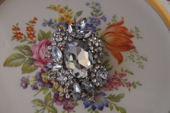 Rhinestone Bridal Brooch. Stunning and elegant vintage by 4Seas, $22.00