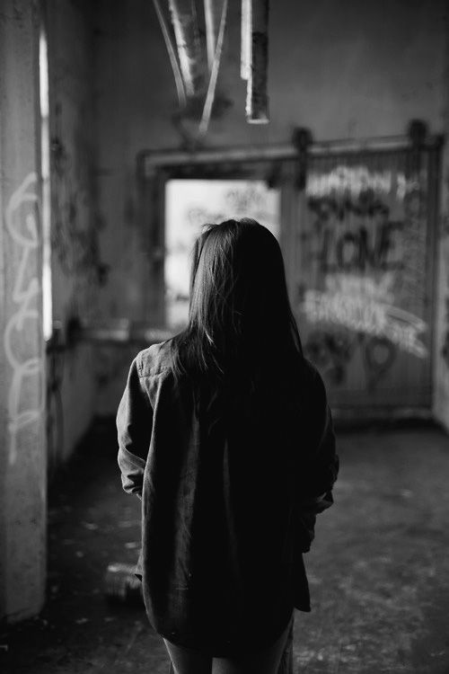 (1) Tumblr girl, b&w, alone | photography | Pinterest ...