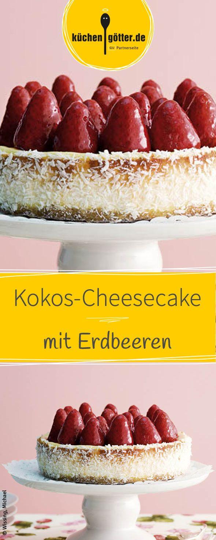 Saftiger Cheesecake mit einem Hauch Kokos und fruchtigen Erdbeeren. Das Rezept und viele andere findet ihr bei uns!