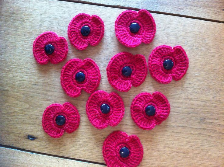 More crochet Remembrance Day poppies
