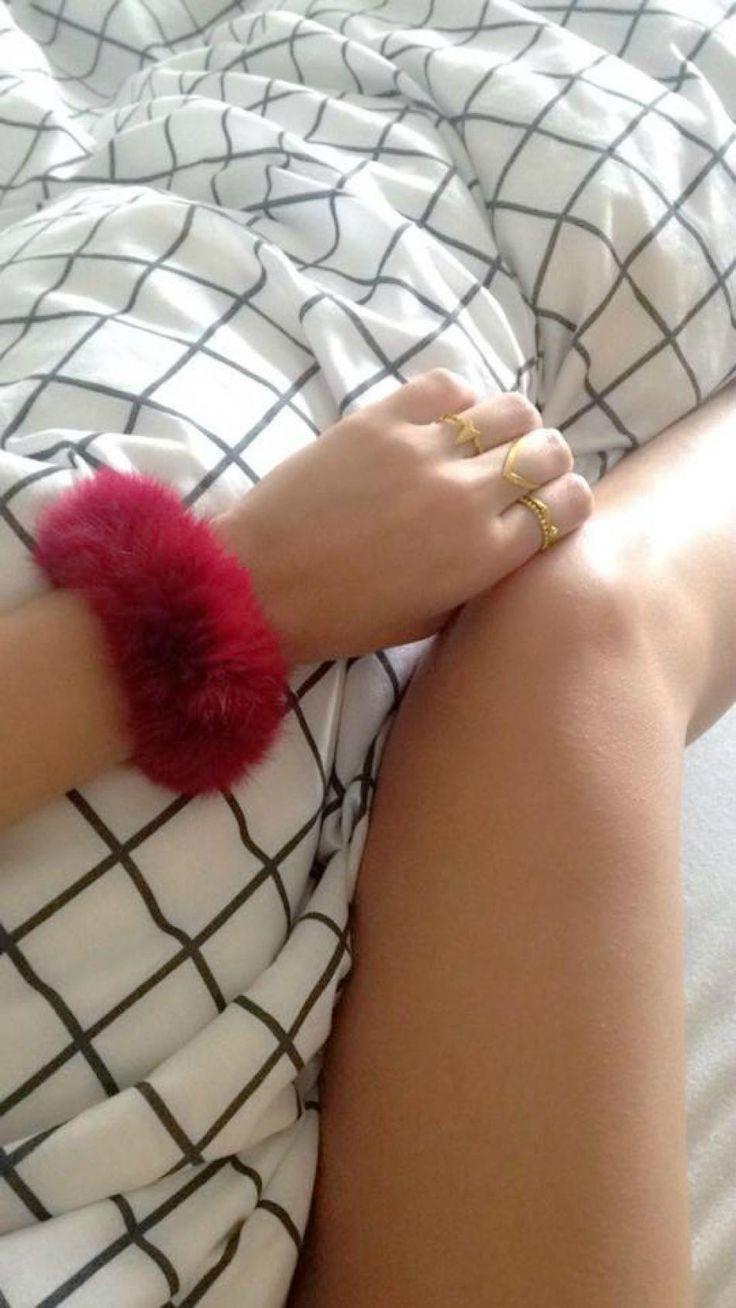 Such fluff.. http://hvi.sk/r/6xrd #Hvisk #Hviskjewellery #Hviskstyling #Gold #jewellery #lazymornings