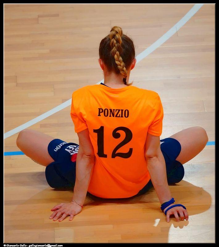 Dodici - photographic processing (299) - elaborazione fotografica dell'atleta n. 12 della squadra di pallavolo - Ponzio - allenamento
