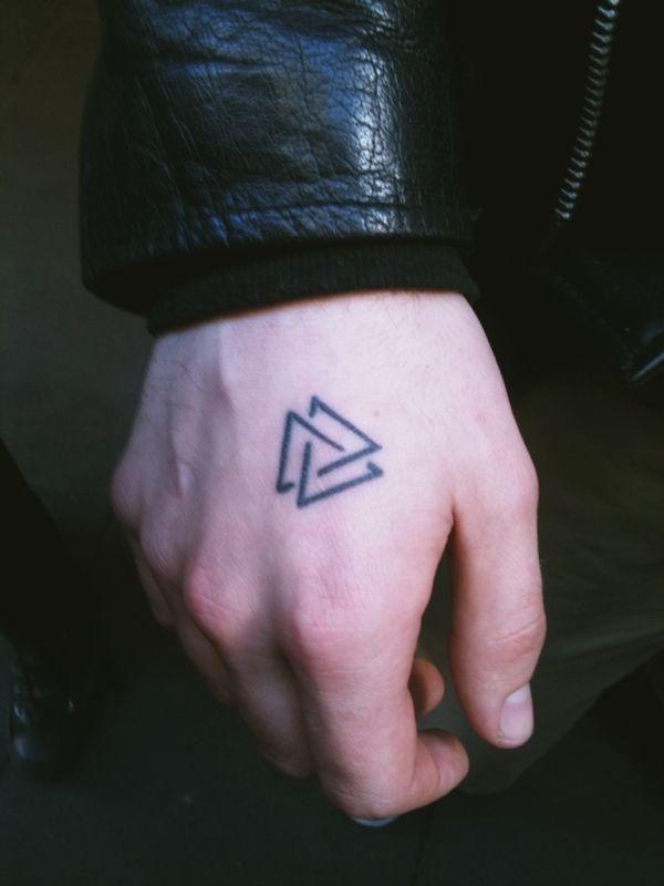Valknut Tattoos: truth, courage, honer, discipline, hospitality, industriousness, fidelity, self-reliance, perseverance.