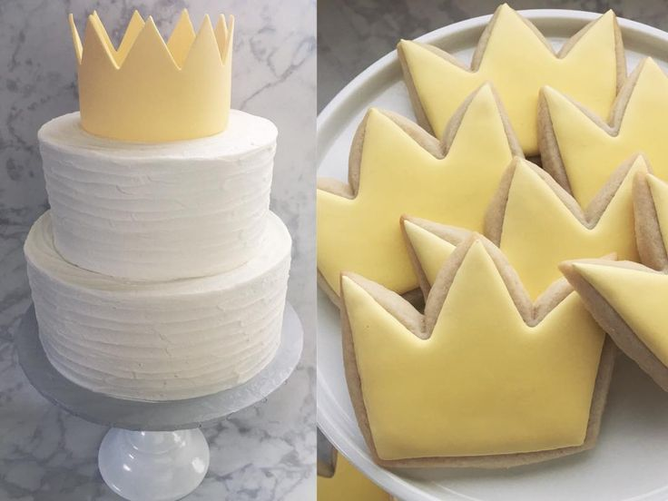 There's beauty in simplicity- love this Where the Wild Things Are order. #milkandhoneycakery #customcakes #buttercreamcakes #rusticbuttercream #sugarcookies #decoratedcookies #crowncookies #wherethewildthingsare