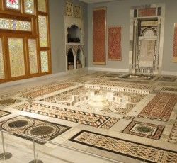 Museum of Islamic Art: In this building of Benaki Museum is housed one of the most important collections of Islamic art in the world, including examples of all its local variations from as far as India, Persia, Mesopotamia, Asia Minor...  Click trough to see more!