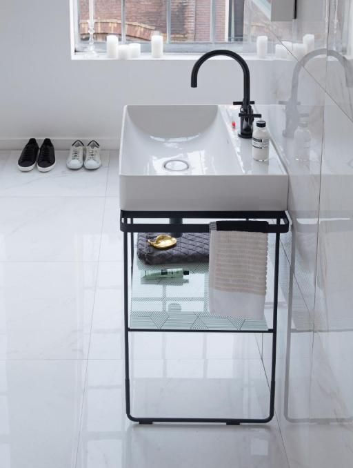 Duravit DuraSquare: Badmöbel, Badewannen, WCs