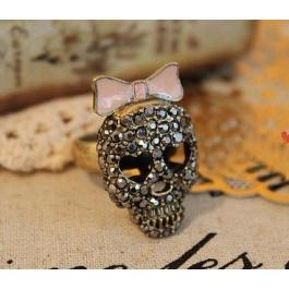 Gwen Ribbon Skull Ring  $10.00