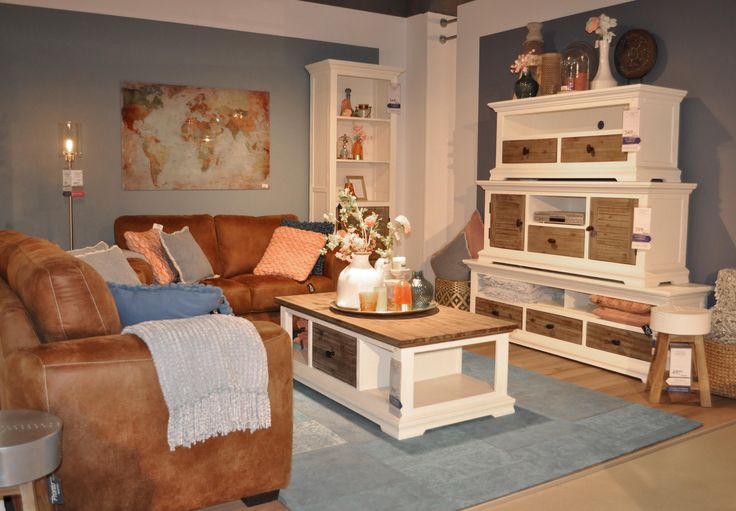 Woonprogramma VERESA in combinatie met de stoere bank DULCE #prontocapelle